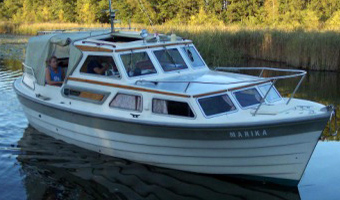 "Yachtcharter Mirow - Motoryacht  ""Saga 27"""